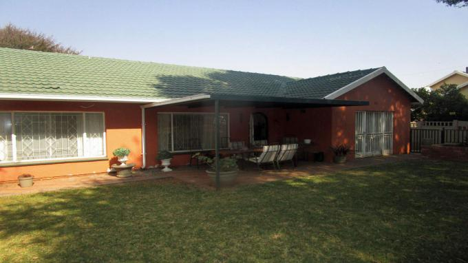 Standard Bank EasySell 3 Bedroom House for Sale in Horison View - MR279082