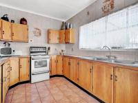 Kitchen - 16 square meters of property in Horison View