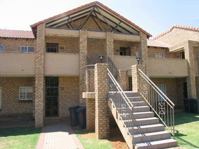 2 Bedroom Simplex for Sale For Sale in Moreletapark - Home Sell - MR28098