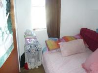 Bed Room 1 - 6 square meters of property in Parow Central