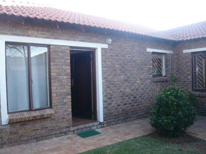 3 Bedroom House for Sale For Sale in Weltevreden Park - Home Sell - MR28255
