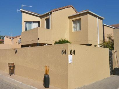 2 Bedroom House for Sale For Sale in Sunninghill - Home Sell - MR28268