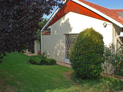 4 Bedroom House For Sale in Craighall - Home Sell - MR28269