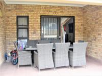 Patio - 16 square meters of property in Ferndale - JHB