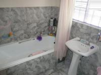 Bathroom 2 - 5 square meters of property in Dorandia