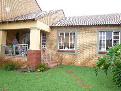 3 Bedroom Simplex for Sale For Sale in Mooikloof Ridge - Home Sell - MR28335