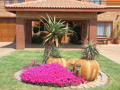 4 Bedroom House for Sale and to Rent For Sale in Pretorius Park - Private Sale - MR28354