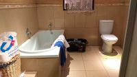 Main Bathroom - 7 square meters of property in Claremont - JHB