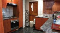 Kitchen - 10 square meters of property in Claremont - JHB