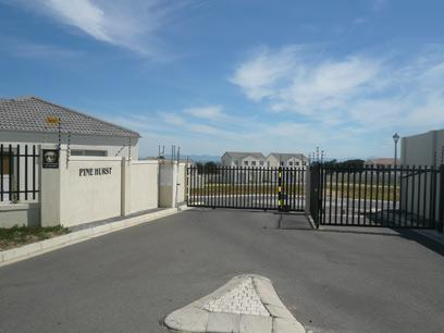 2 Bedroom House for Sale For Sale in Somerset West - Private Sale - MR28403