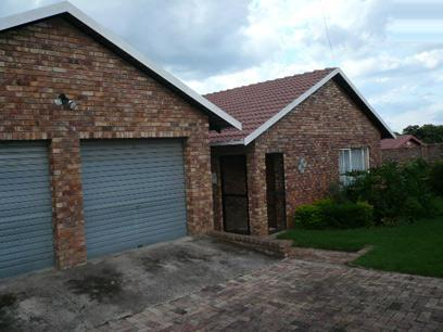 3 Bedroom House for Sale For Sale in Rooihuiskraal - Private Sale - MR28451