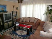 Lounges - 20 square meters of property in Rooihuiskraal