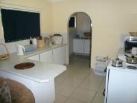 Kitchen - 14 square meters of property in Rooihuiskraal