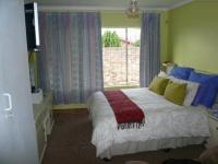 Main Bedroom - 17 square meters of property in Rooihuiskraal
