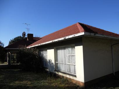 Standard Bank Repossessed 4 Bedroom House for Sale For Sale in Brackendowns - MR28452