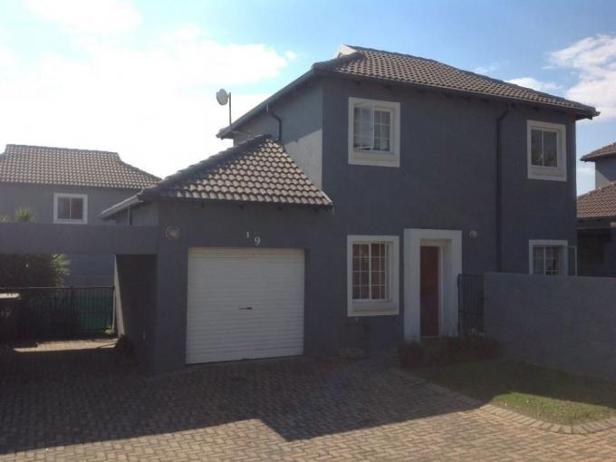 2 Bedroom Duplex for Sale For Sale in Kosmosdal - MR284559