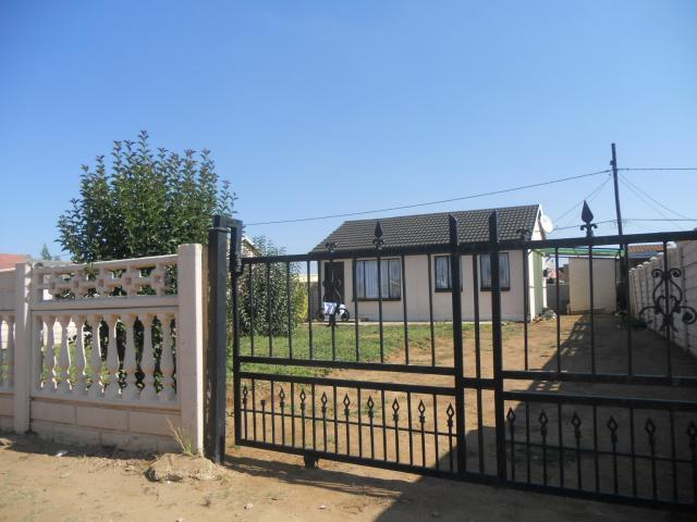 Standard Bank Repossessed 2 Bedroom House on online auction in Vereeniging - MR28465
