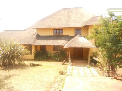 Standard Bank Repossessed 5 Bedroom House for Sale For Sale in Roodekrans - MR28515