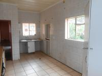 Kitchen - 24 square meters of property in Brackendowns