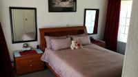 Main Bedroom - 20 square meters of property in Roodekrans