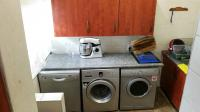Scullery - 8 square meters of property in Roodekrans