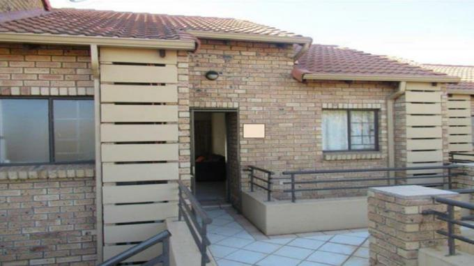 2 Bedroom Apartment to Rent in Centurion Golf Estate - Property to rent - MR288432