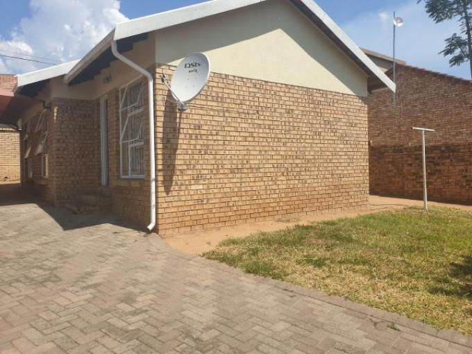 Standard Bank EasySell 3 Bedroom House for Sale in West Acres - MR290294