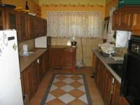 Kitchen - 13 square meters of property in Wierdapark