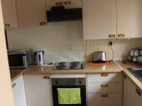 Kitchen - 7 square meters of property in Florida Park