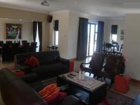 Lounges - 52 square meters of property in Somerset West