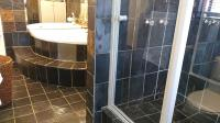 Main Bathroom - 14 square meters of property in Ferryvale