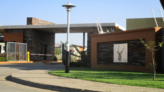Standard Bank EasySell 2 Bedroom House for Sale in Waterval East - MR293025