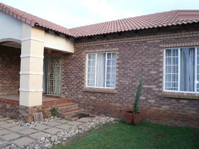 2 Bedroom Simplex For Sale in Equestria - Home Sell - MR29336