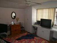 Bed Room 2 - 23 square meters of property in Woodstock