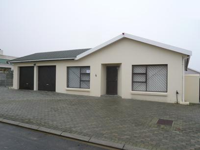 Standard Bank Repossessed 5 Bedroom House for Sale For Sale in Hermanus - MR29469