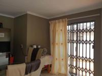 Dining Room - 14 square meters of property in Amandasig