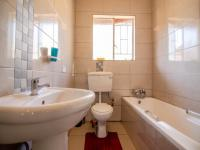 Bathroom 1 of property in Discovery