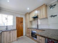 Kitchen of property in Discovery