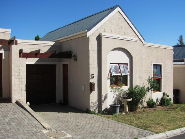 Standard Bank EasySell 3 Bedroom Cluster for Sale For Sale in Riebeek Wes - MR29500