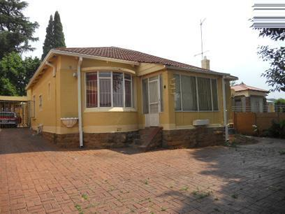 Standard Bank Repossessed 3 Bedroom House on online auction in Observatory - JHB - MR29539