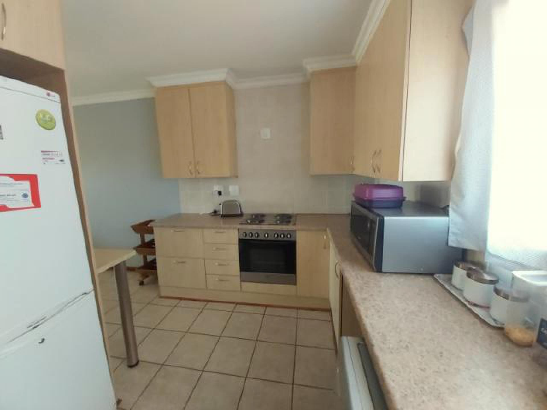 Kitchen of property in Shellyvale