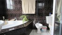 Main Bathroom - 8 square meters of property in Parklands