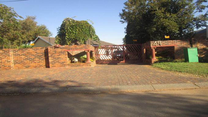 Standard Bank EasySell 3 Bedroom House for Sale in Golf Park - MR299512