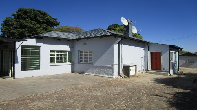 Standard Bank EasySell 3 Bedroom House for Sale in Kew - MR300056