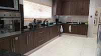 Kitchen - 25 square meters of property in Sydenham - JHB