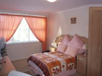 Bed Room 1 - 18 square meters of property in Wynberg - CPT