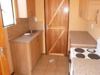 Kitchen - 6 square meters of property in The Orchards