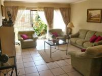 Lounges - 33 square meters of property in Ruimsig