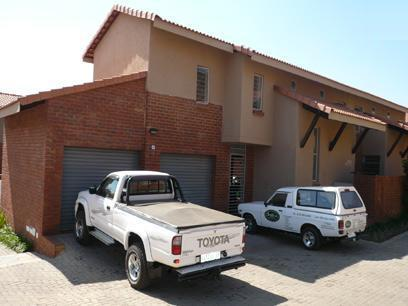 3 Bedroom Duplex for Sale For Sale in Die Wilgers - Home Sell - MR30265