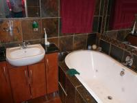 Main Bathroom - 7 square meters of property in Die Wilgers